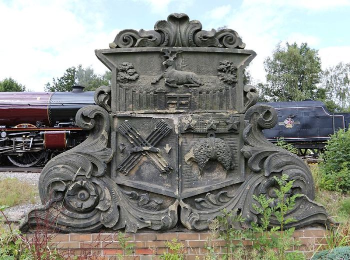 800px-north_midland_railway_crest